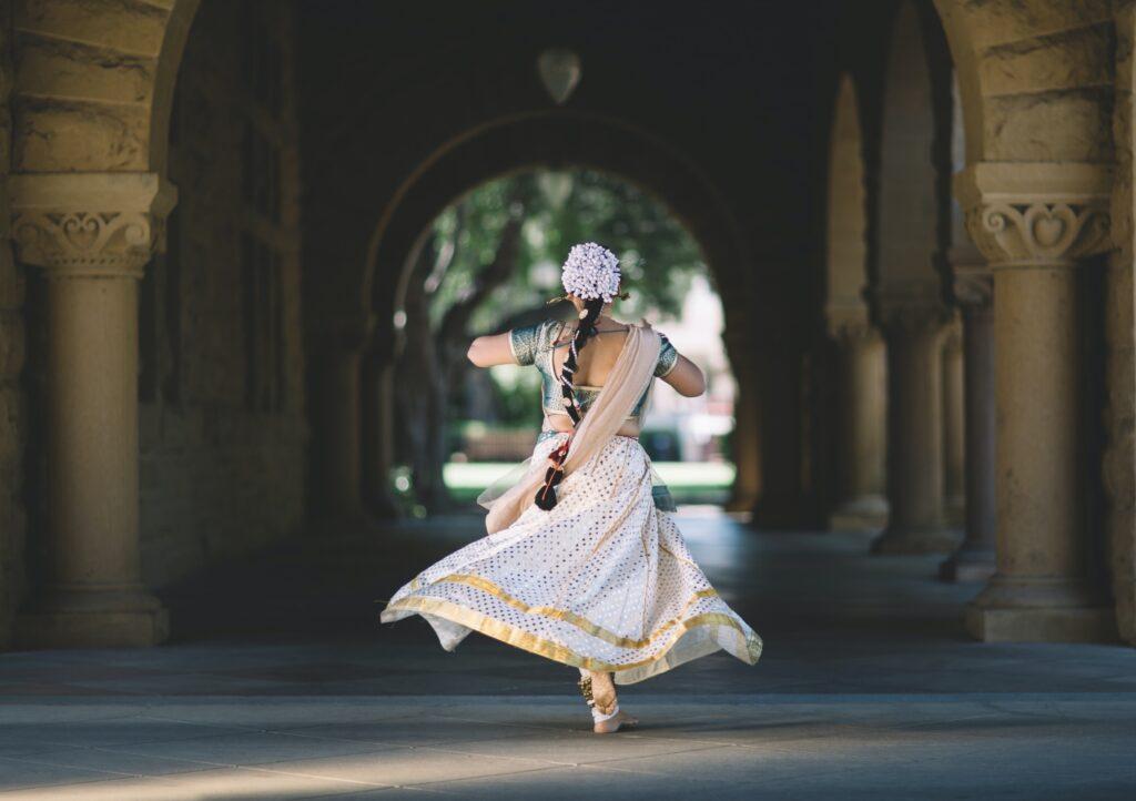 Dancer fleeing